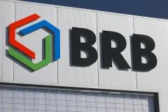 Logo 3D na budynku hali przemysłowej