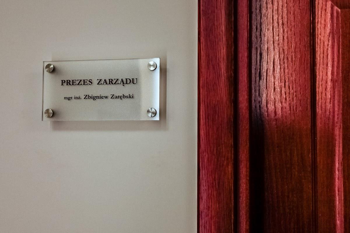 Szklane tabliczki imienne dla nowego Zarządu Kopalni Soli Wieliczka